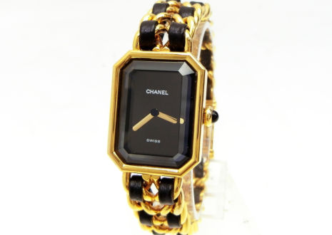電池切れ、または原因不明の理由で稼働しなくなった腕時計