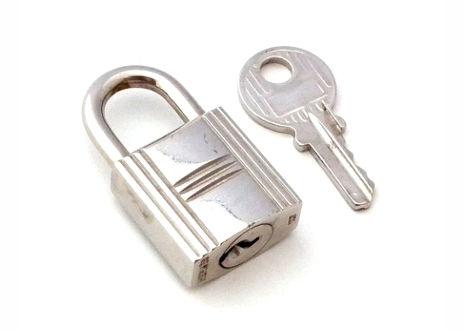 エルメスのカデナ(南京錠)と鍵