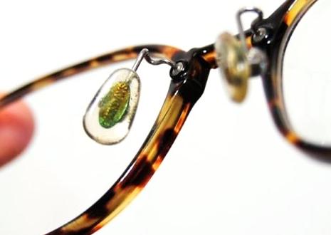 部品の緩み、金具に錆び、メッキ剥がれなどの劣化が見られる